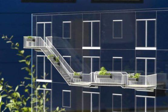 Balkon: półpubliczne miejsce codzienności