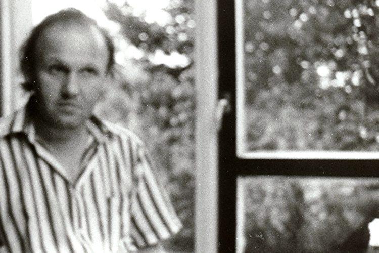 """Roman Starzyński podczas jednego z zebrań redakcji """"Czasu Kultury"""", 1988"""